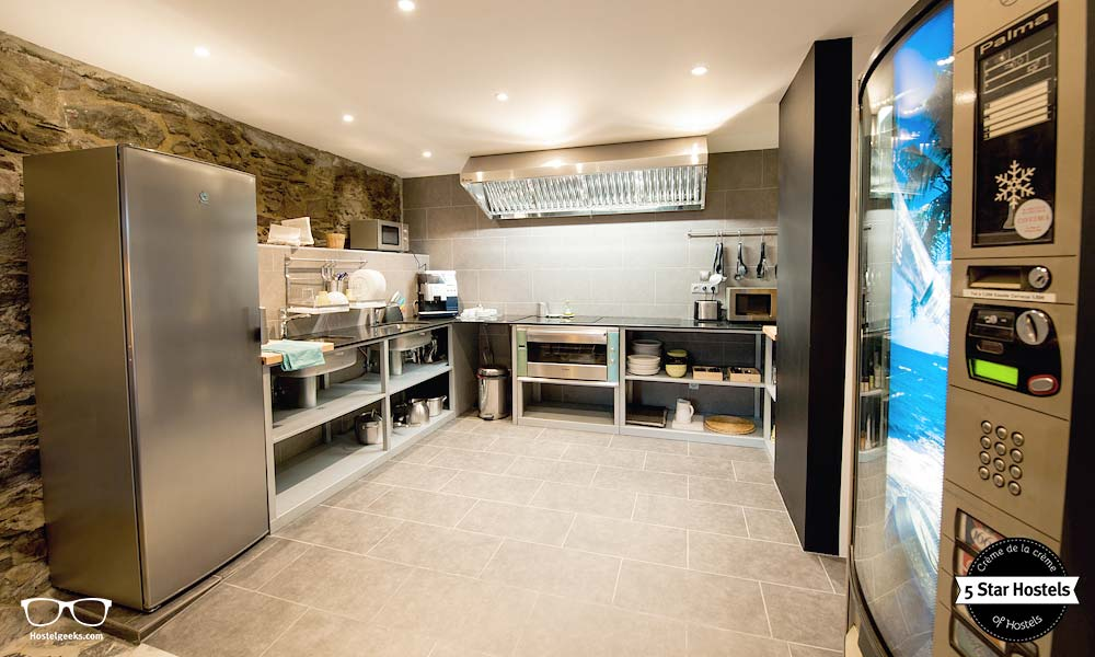 Fully equipped kitchen, so start to impress your fellow mates with your cooking skills