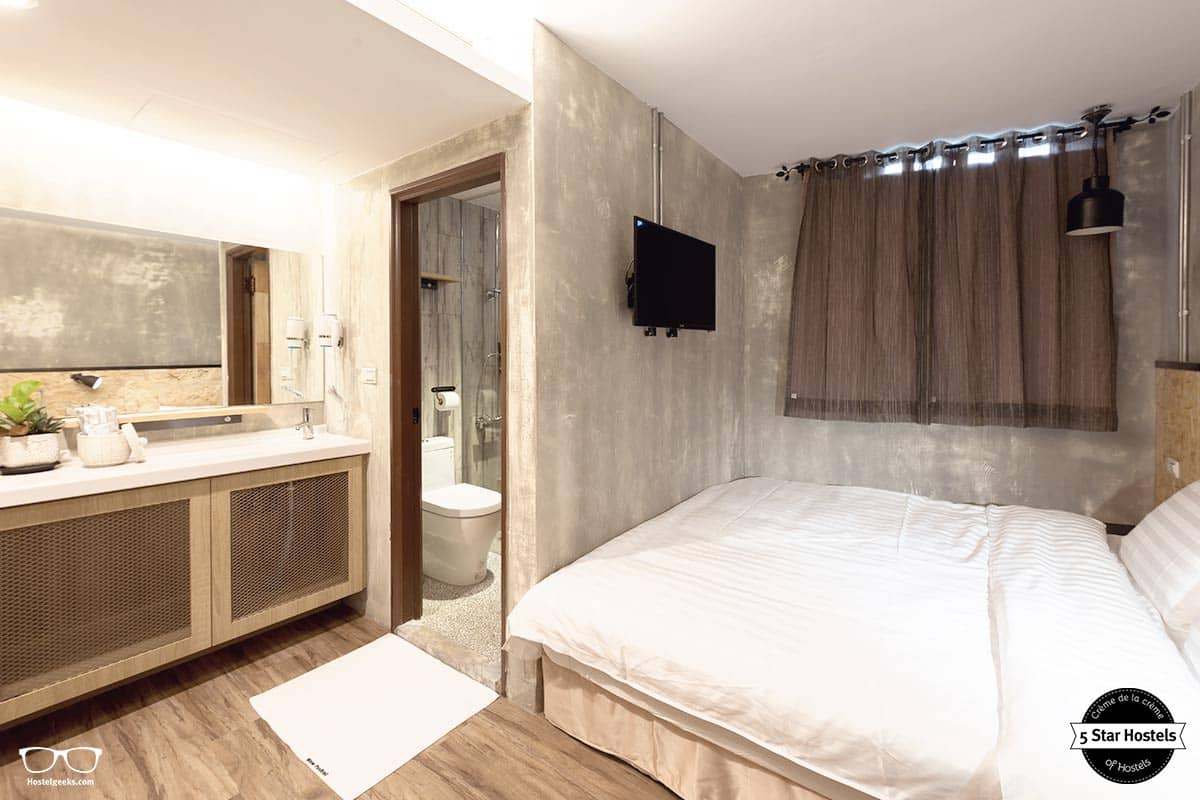 Luxury Double Room, for the luxury couples staying at Hostels
