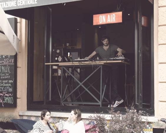A Sleek Backstreet Bar: Centralna Postaja