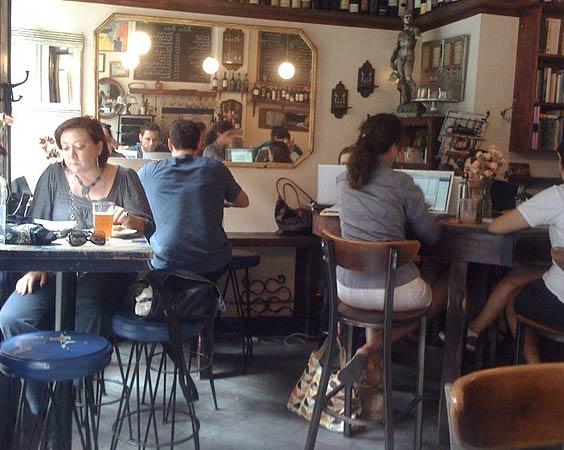 Café and Bar: V-Bar Sullivan - a Community!