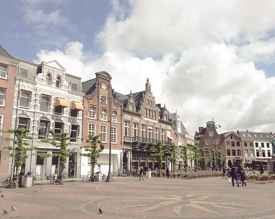 Local market at Grote Markt