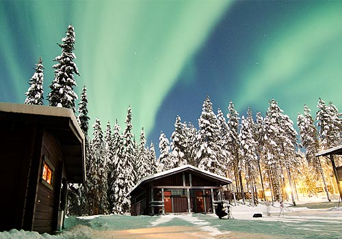 Hostel Akaslompolo with the Northern Lights - what a mind-blowing view
