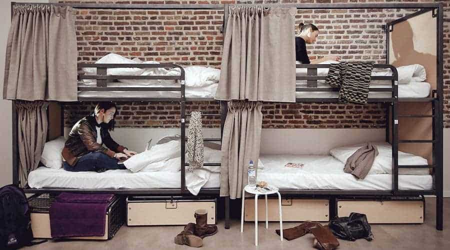 Bunk Beds with Privacy in mind - the 5 Star Hostel Gastama in Lille