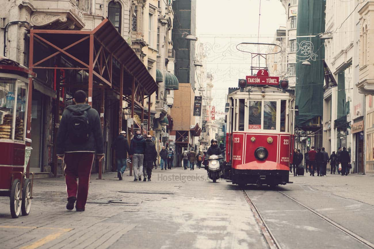 5 Local Things To Do in Istanbul - No tourist guide! Hostelgeeks
