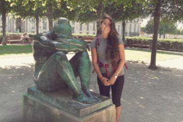 Flattering Disasters in Paris - Kissing in France?
