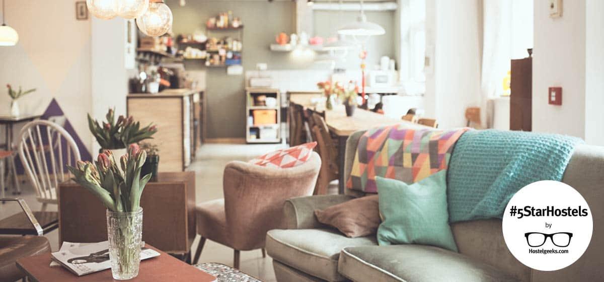 Ani&Haakien Hostel in Rotterdam - 5 Star Hostel in Artsy Design