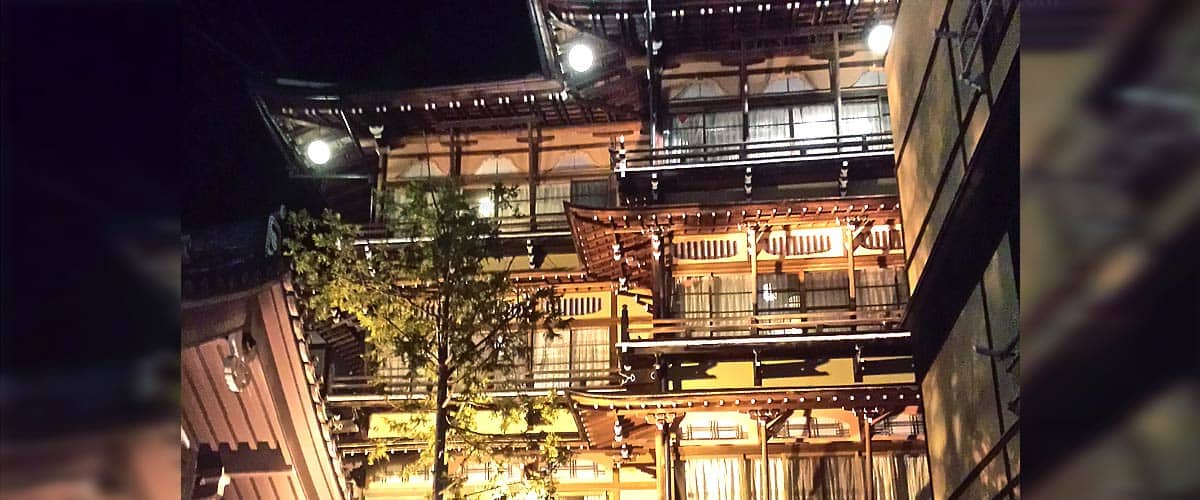 When a Movie turns into Reality - this old Hotel in Japan