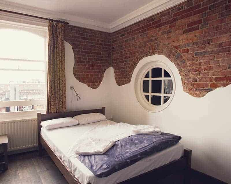 Private Room at Swiss Cottage Hostel in London