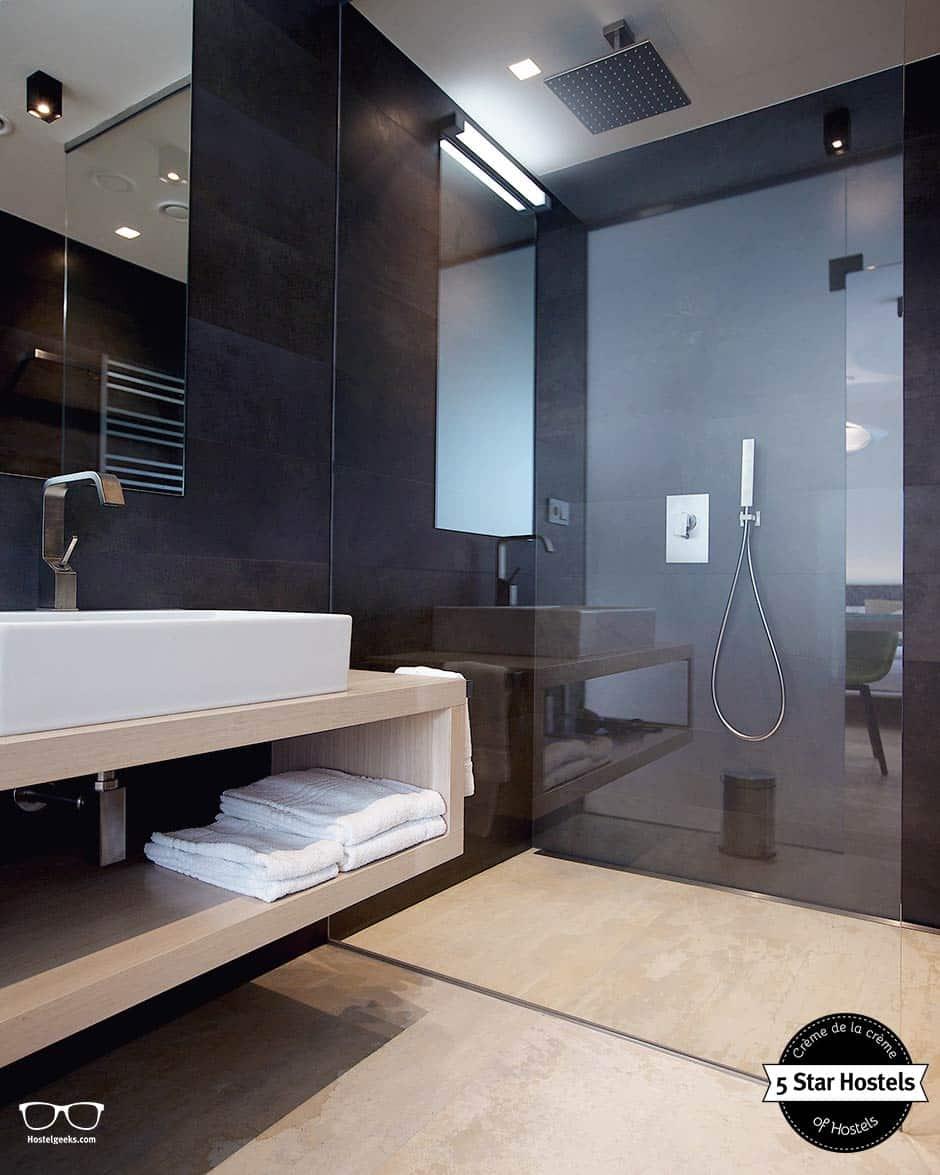 Private bathroom at Mosaic House in Prague