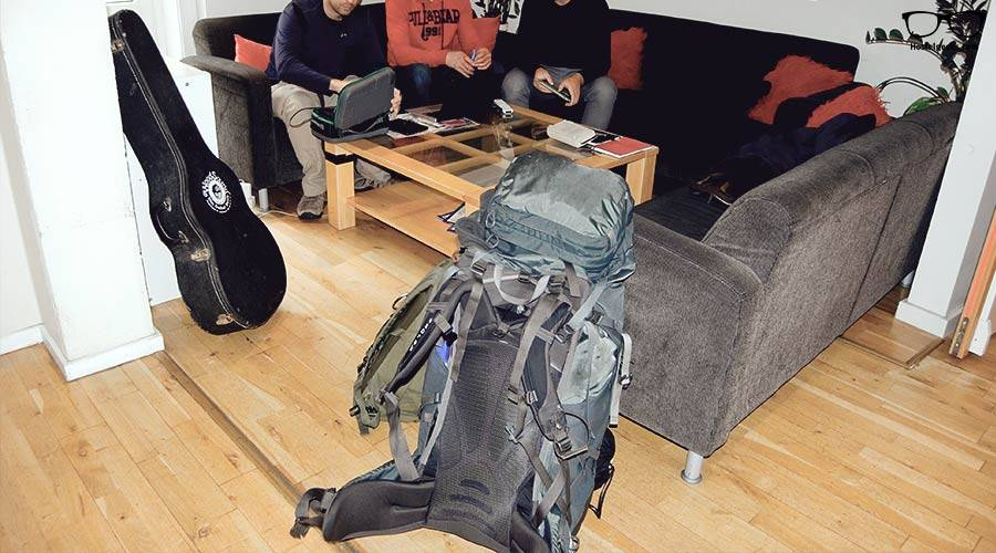 overpacking-hostel
