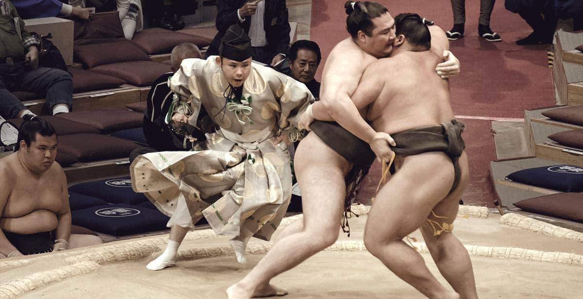 10 Stunden großen Jungs beim Sumo - Ringen zuschauen!