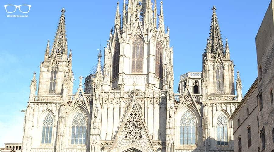 "Explore the European Gothic Style in the Barcelona Cathedral ""Catedral de la Santa Cruz y Santa Eulàlia"""
