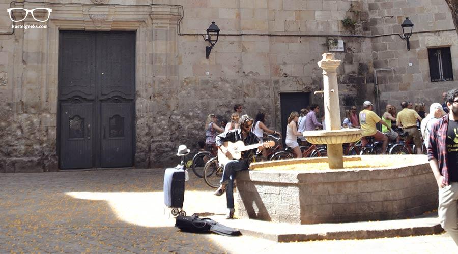 Daydream in Felip Neri Square
