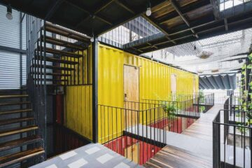 Ccasa Hostel in Nha Trang - Sleeping containers and giant hammocks
