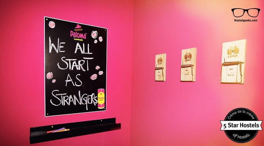 We all start as Strangers - Superbude Hamburg