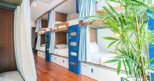 Etagenbett Jugendherberge Kaufen : Kinder etagenbett weiß grau mit bettkasten treppe und