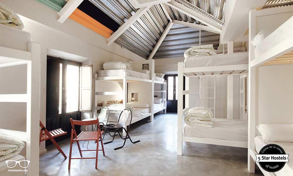Ein Schlafsaal im Lemon Rock Hostel