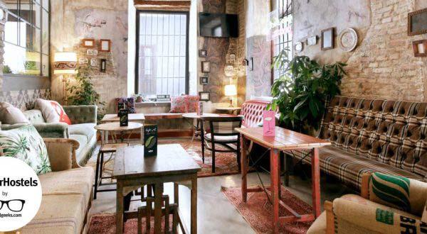 Lemon Rock Granada - Vintage 5 Star Hostel & Bar