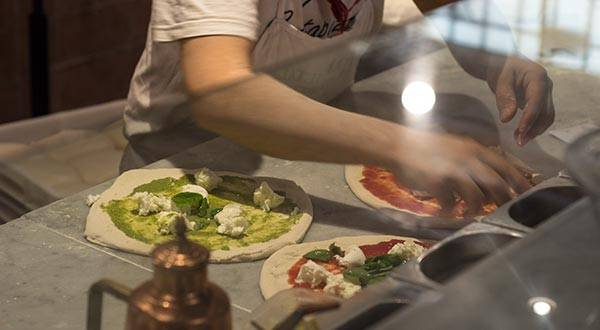 Non Touristy Things to Do in Florence? Get the best Pizza in town