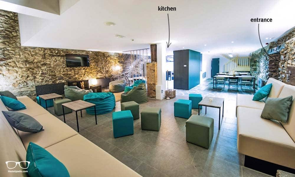 The heart of Mountain Hostel Tarter, the stylish lounge