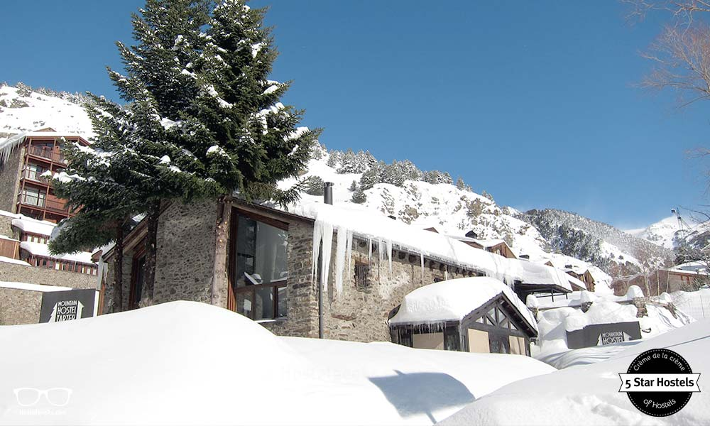 Snowed in? The Mountain Hostel Tarter is prepared