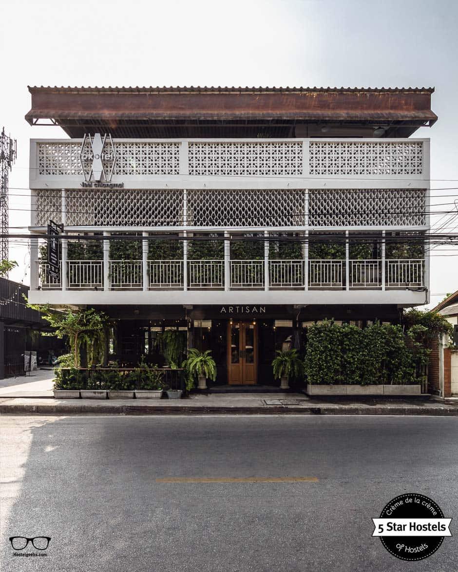 Das Kaufhaus aus den 70er Jahren im neuen Glanz und neuen Leben: Oxotel Hostel