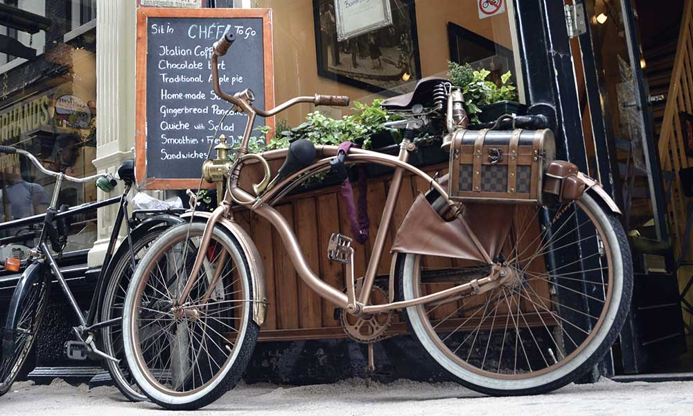 FUN Things To Do In Amsterdam Coffee Shops Bikes Concerts - 29 weirdest things happen russia 4 just hilarious