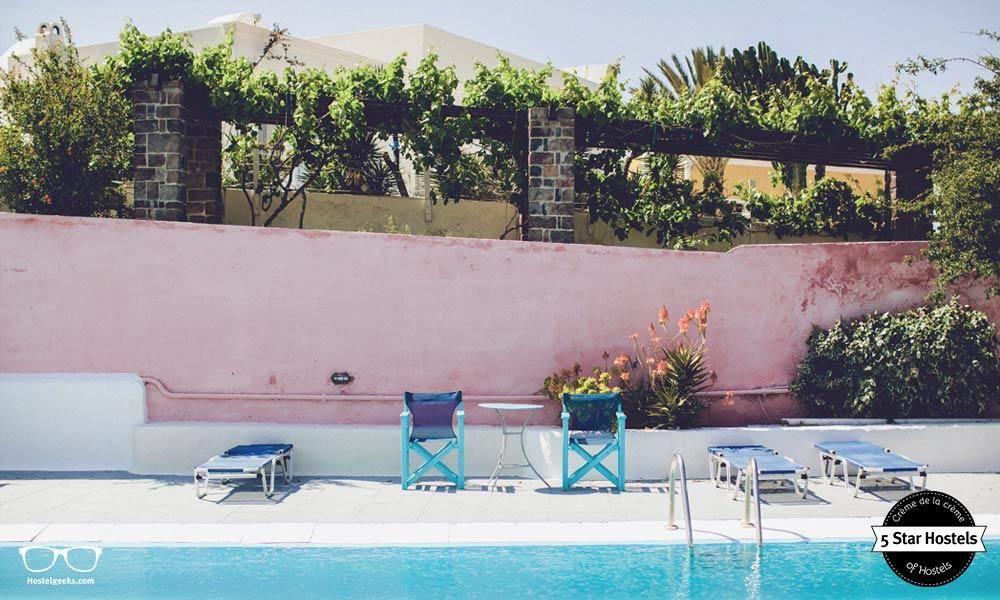 Caveland Santorini Hostel