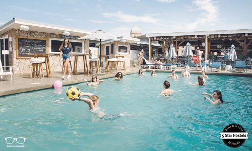 Rambutan Townsville -The hottest 5 Star Hostel with Swimming Pool