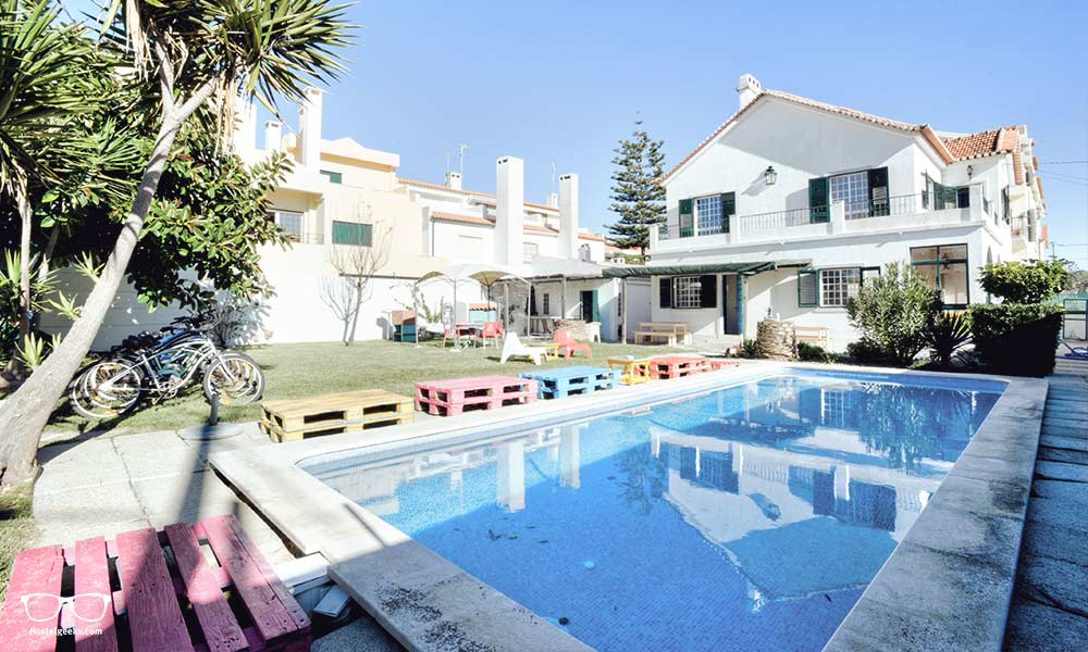 Swimming Pool anyone? The Surf in Caparica Hostel