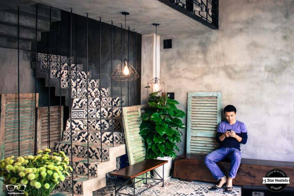 Relax at Memory Hostel common area, Da Nang, Vietnam