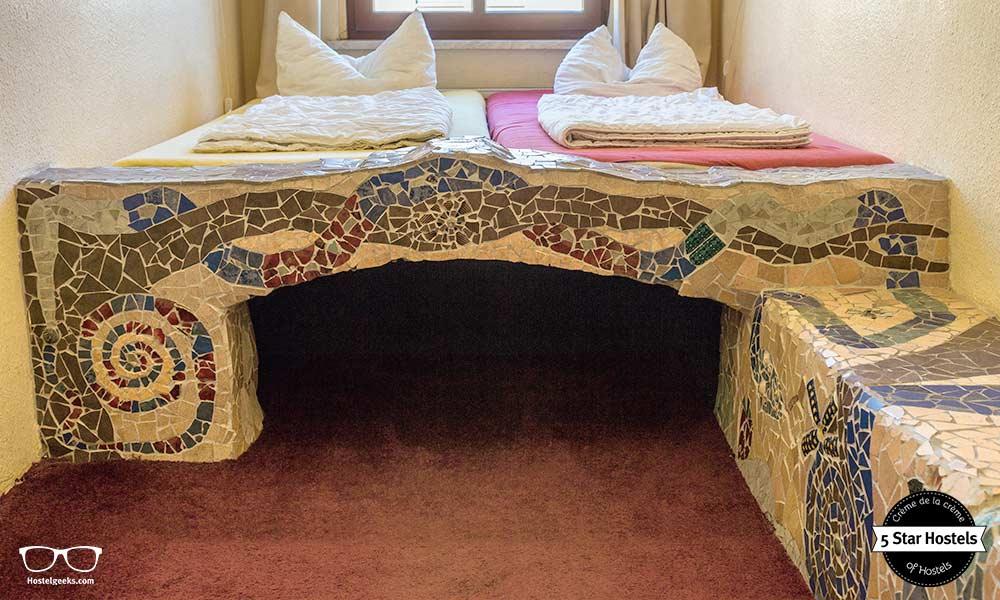 Ein Hauch von Barcelona in Dresden, das Mosaik Zimmer von Lollis Homestay