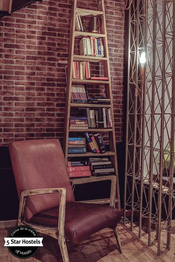 Book exchange at Hostel Ole Alicante