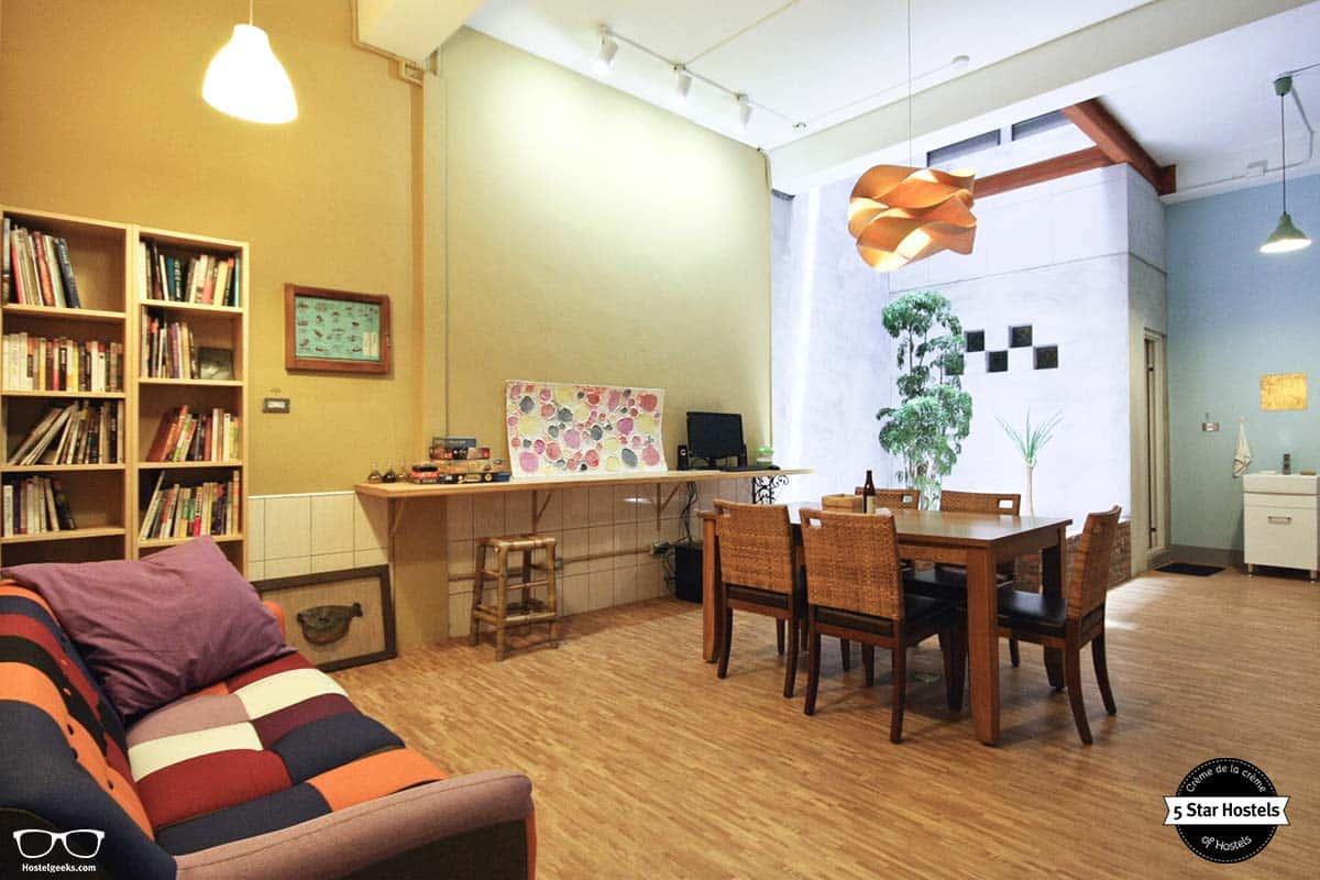 Relax at Puli Center Center Hostel