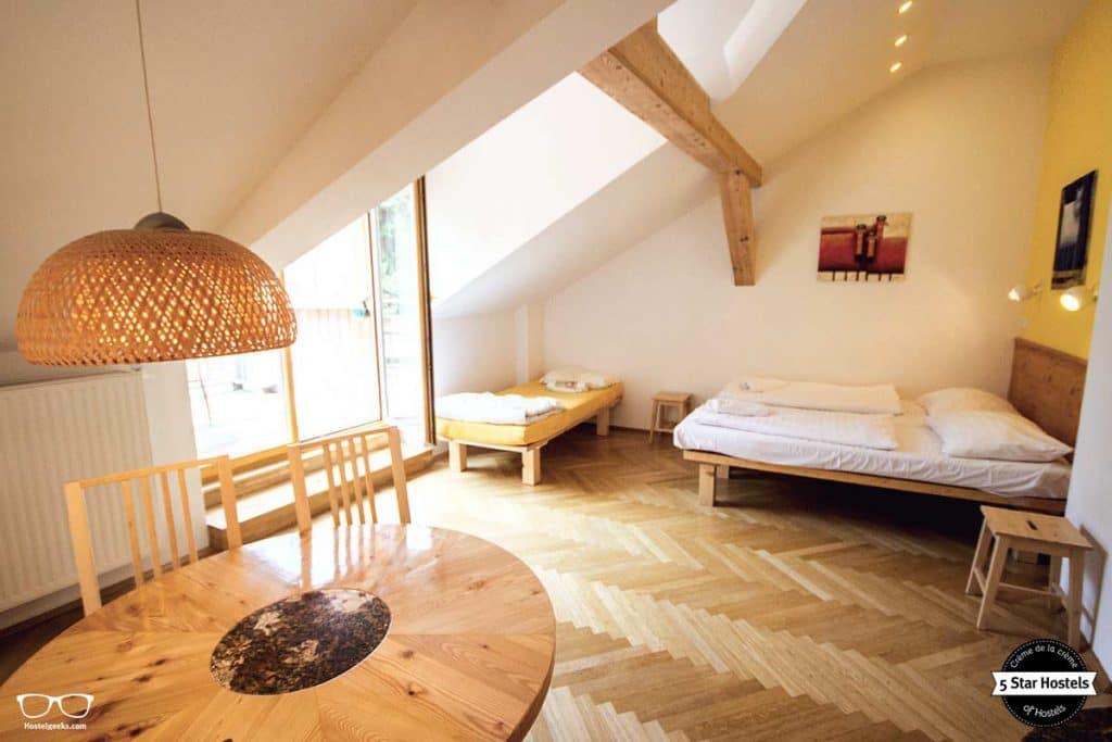 Cozy private room at hostel Ruthensteiner Vienna