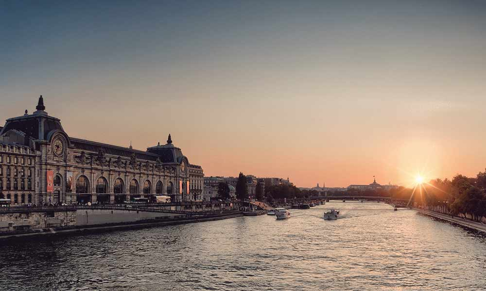 Enjoy Sunset on a River cruise in Paris