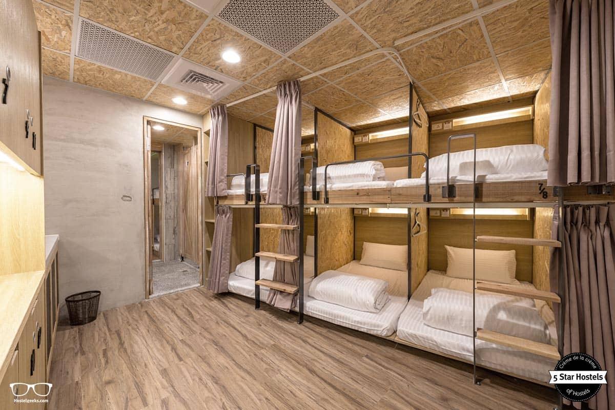 Pod-styled bunk beds at Wow Poshtel