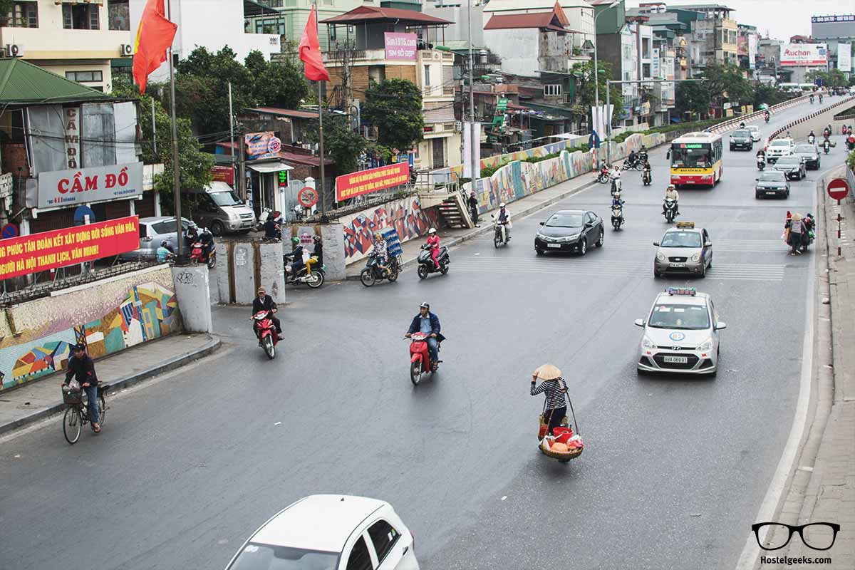 Learn to cross the street - Vietnam-Style