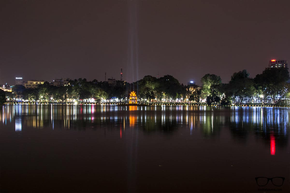 Visit Hoàn Kiếm Lake at night