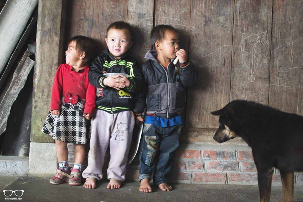 Unless you are as tought as these kids without shoes, bring some comfy and warm shoes with you - an important thing to bring to Vietnam