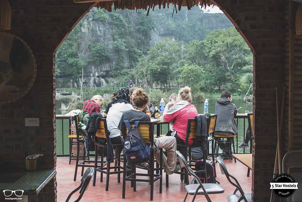 travelers enjoying Tam Coc Bunaglow