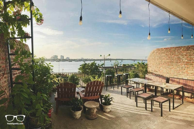 Best Hostels in Dong Hoi: Dolphine Home