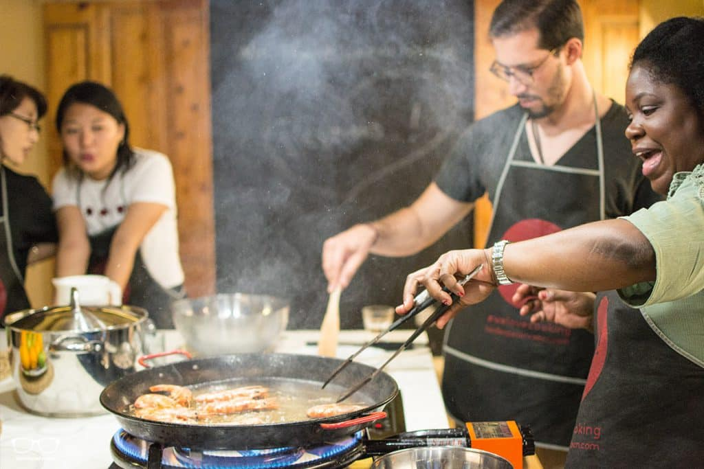 Cooking paella with Foodie Experience Barcelona