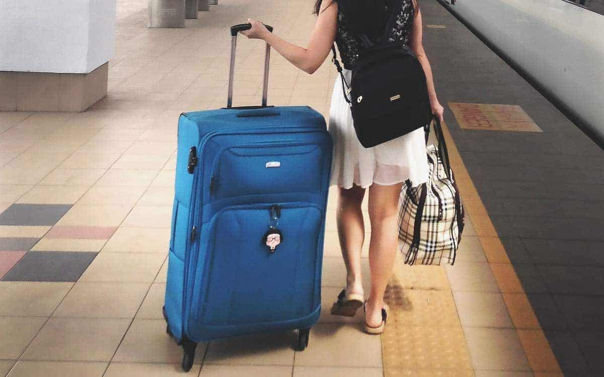 What NOT to Pack to Stay at a Hostel? Packing List for
