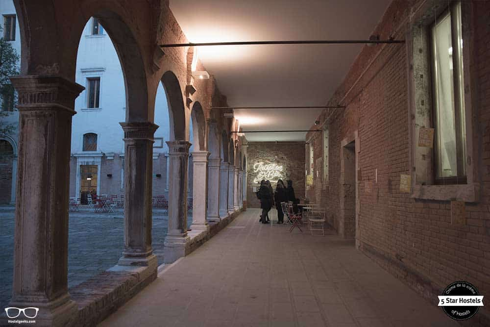New light installation in the We Crociferi in Venice