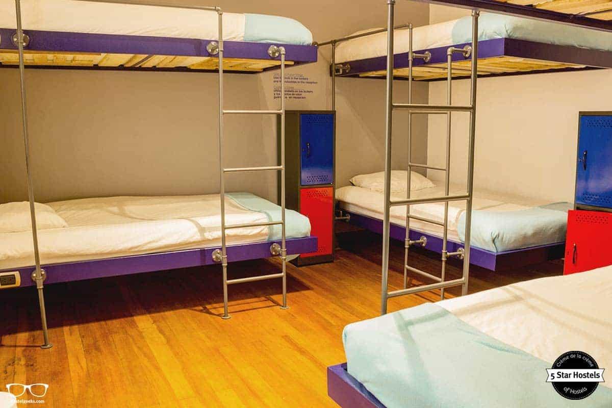 suspended bunk beds at Hobu Hostel