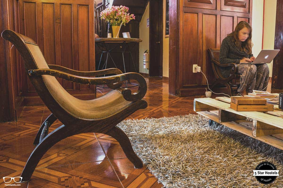 Work, enjoy or relax in the common area at Hobu Hostel