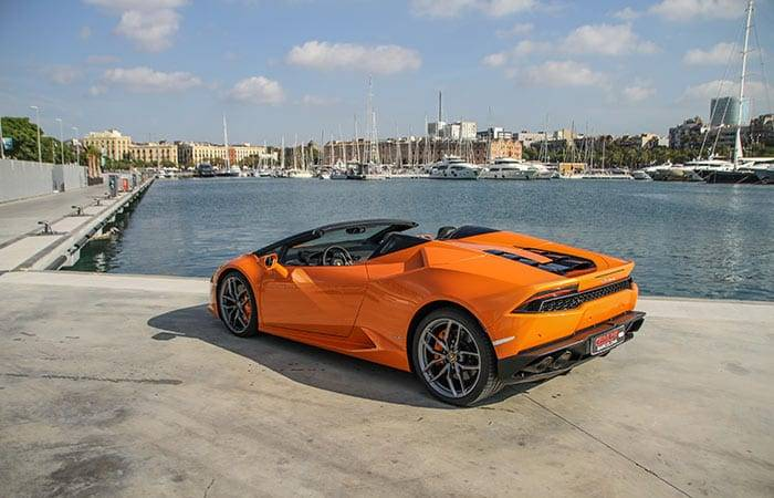 Cruise around with a Lamborghini Huracan