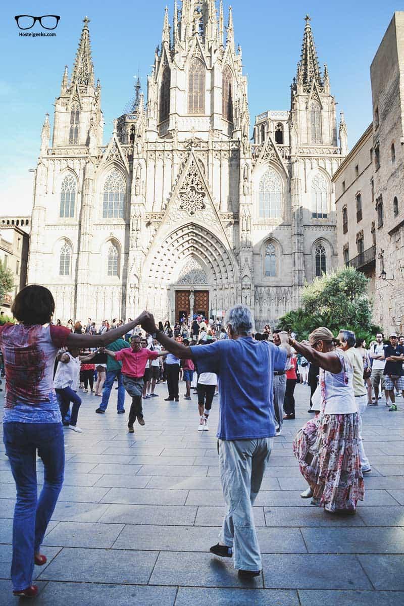 La Merce Festival, the traditional Sardana Dance in front of La Catedral