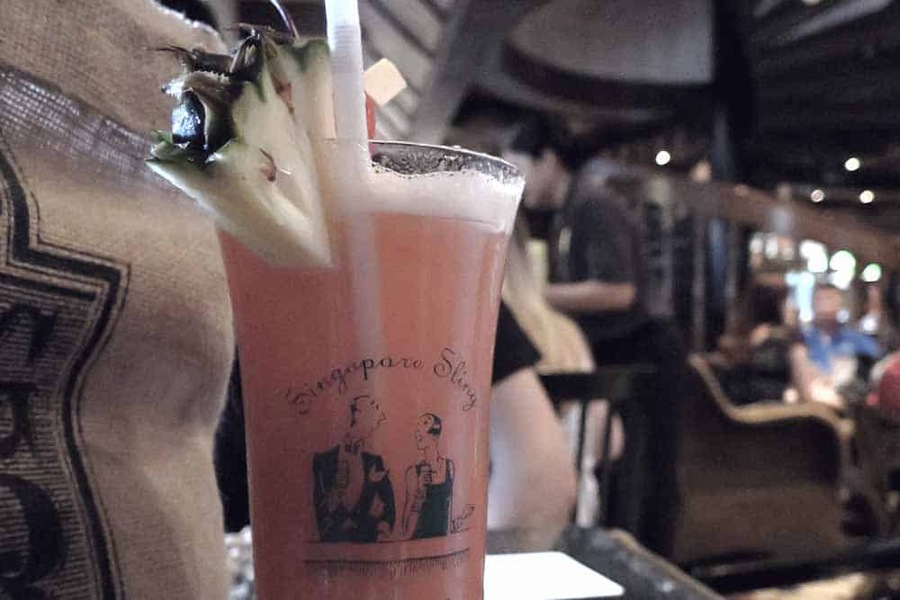 Singapore sling, cool bar in Singapore